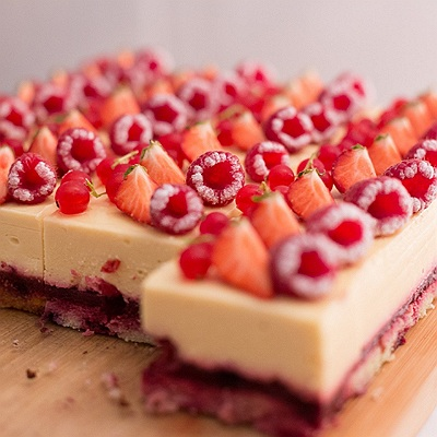 Entremets vanille fruits rouge carre-008