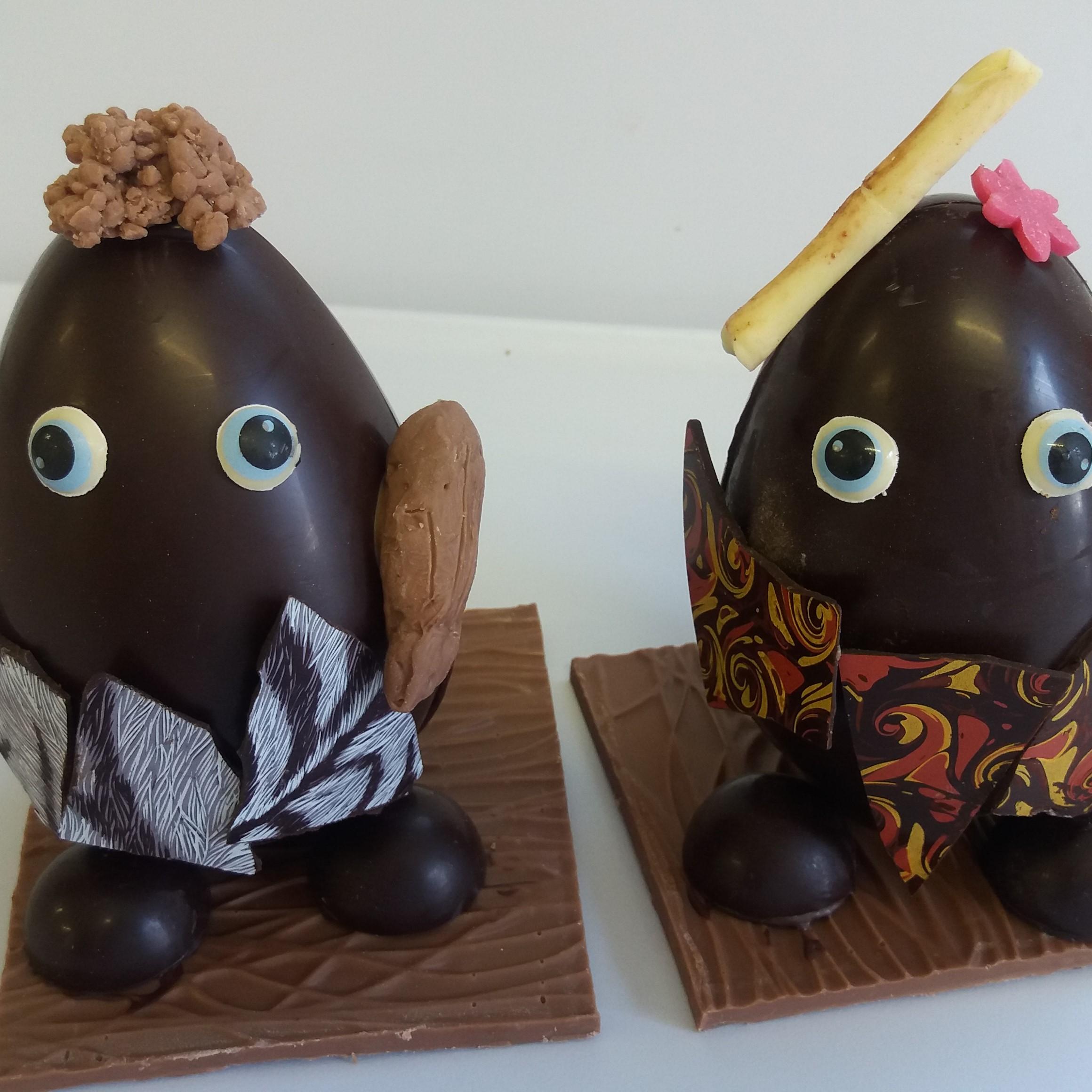 cro magnon personnages chocolat noir Pâques carre